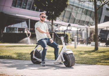 Make Your Life Easy With The Help Of A Mobility Scooters