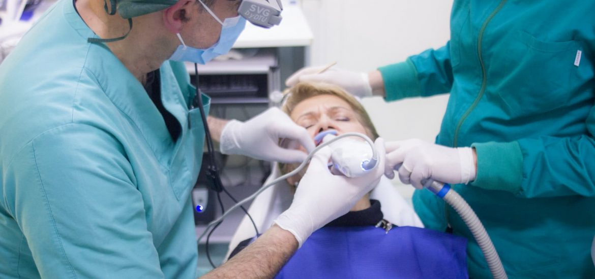 Make Your Teeth Hygienic With The Right Dental Professionals